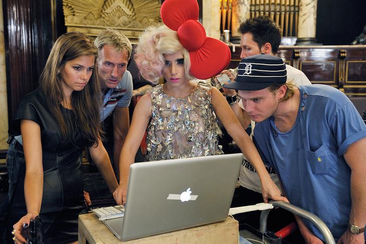 Фото №5 - Леди Гага исполнилось 28 лет