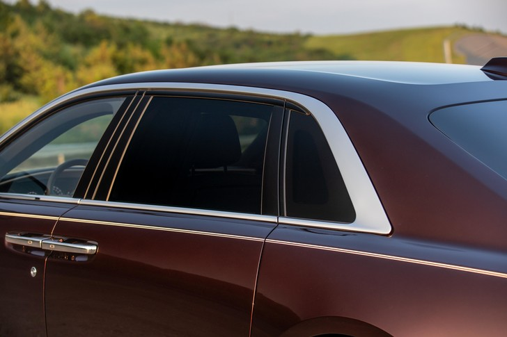 Фото №5 - Ти-ши-на! 10 важных фактов о новом Rolls-Royce Ghost