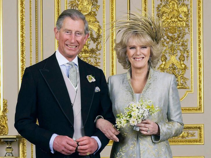 Фото №1 - Малоизвестная причина, почему долгожданная свадьба Чарльза и Камиллы могла не состояться