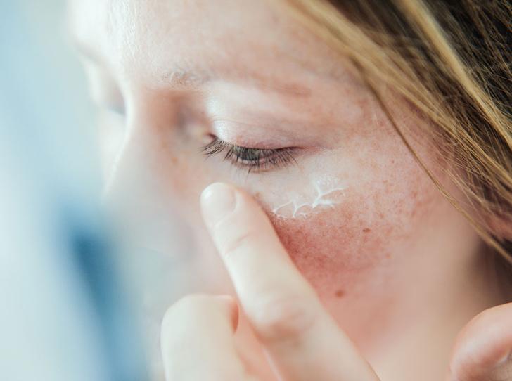 Фото №2 - Как ухаживать за жирной кожей
