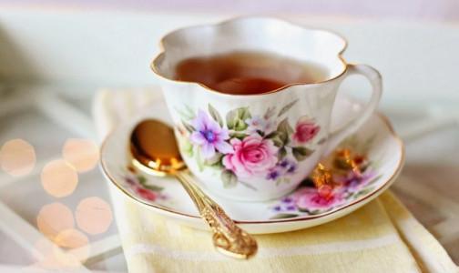 Фото №1 - Японские ученые: Обычный чай может убить коронавирус в слюне
