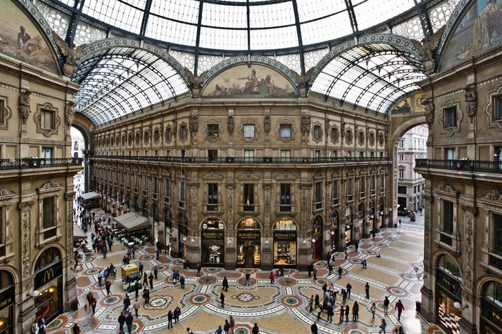 Фото №1 - Названы любимые шопинг-направления российских путешественников