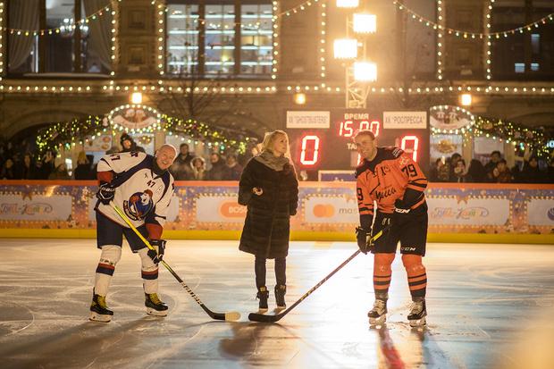 Фото №3 - Звездный гала-матч по хоккею на Красной площади при поддержке GetJet