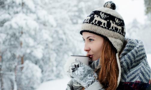 Фото №1 - Менингит без шапки и депрессия без солнца: врачи рассказали, есть ли правда в зимних «мифах»
