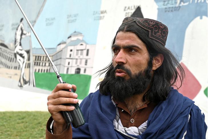 Фото №2 - Как социальные сети помогли талибам взять под контроль Афганистан