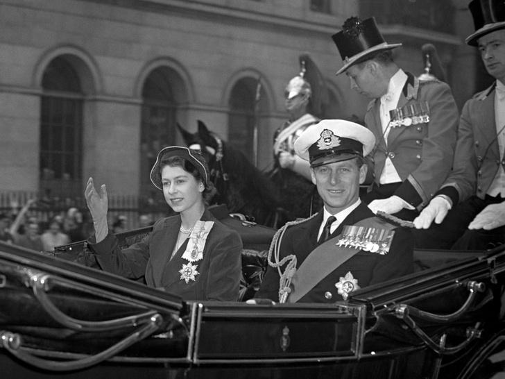 Фото №3 - Почему Королева и принц Филипп заключили брачный договор через 40 лет после свадьбы
