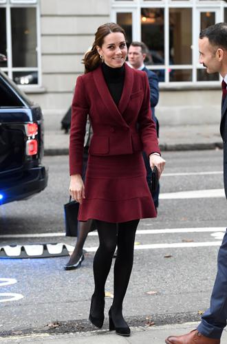 Фото №20 - 6 знаковых нарядов герцогини Кембриджской, которые она носит уже 6 лет