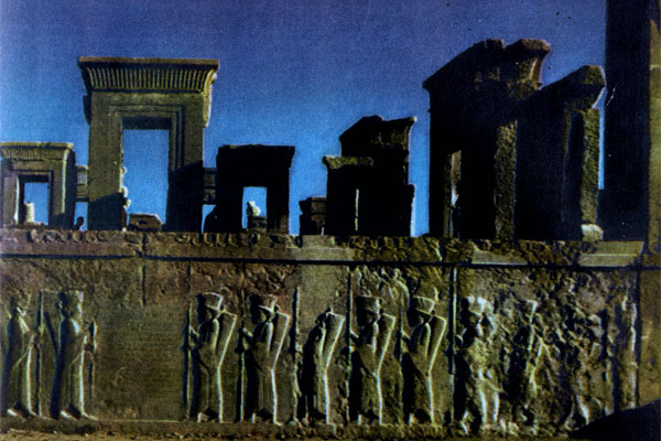 Фото №1 - Пламя над Персеполем