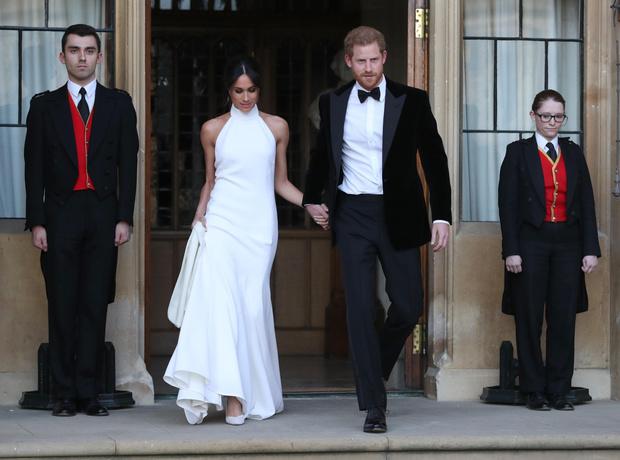 Фото №2 - Нам и не снилось: 5 самых крупных трат Меган и Гарри