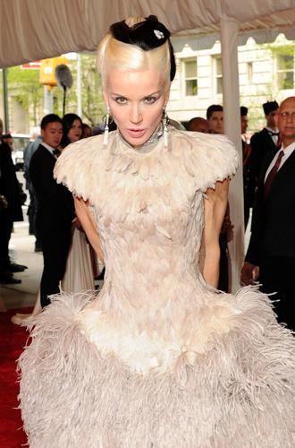 Фото №11 - История Met Gala: самые знаменитые наряды бала Института костюма