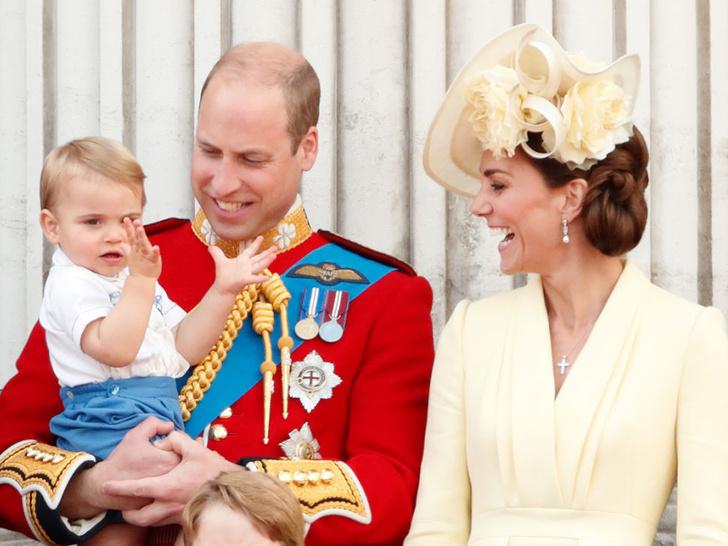 Фото №2 - Особый протокол: кто из Виндзоров может стоять с Королевой на балконе во время праздников и почему