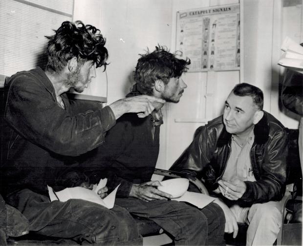 Фото №1 - Как четыре советских солдата 49 дней выживали на дрейфовавшей в океане барже с трехдневным запасом еды