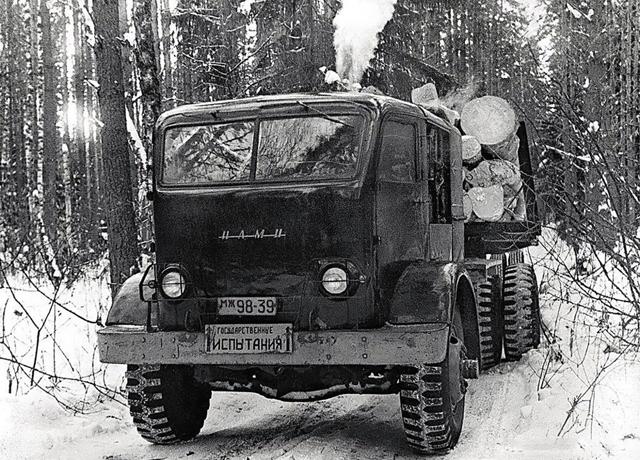 Фото №2 - Советский грузовик, который работал на дровах