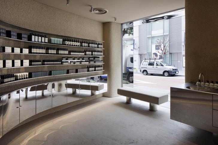 Фото №3 - Минималистский бутик Aesop в Токио