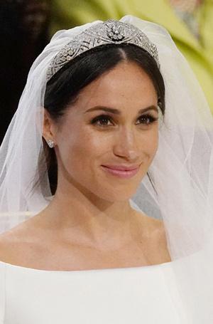 Фото №8 - Баварская принцесса Софи вышла замуж в копии платья Меган Маркл