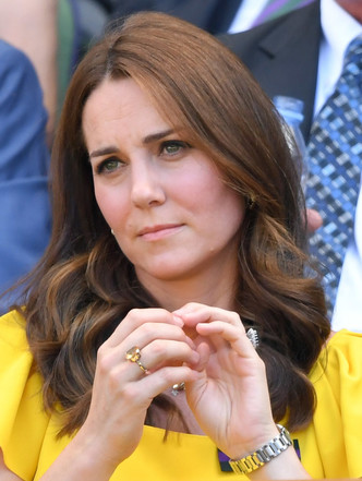 Фото №2 - Подарок не от мужа: самое роскошное украшение Кейт, не связанное с БКС