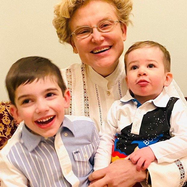 Фото №1 - Елена Малышева станет бабушкой в третий раз