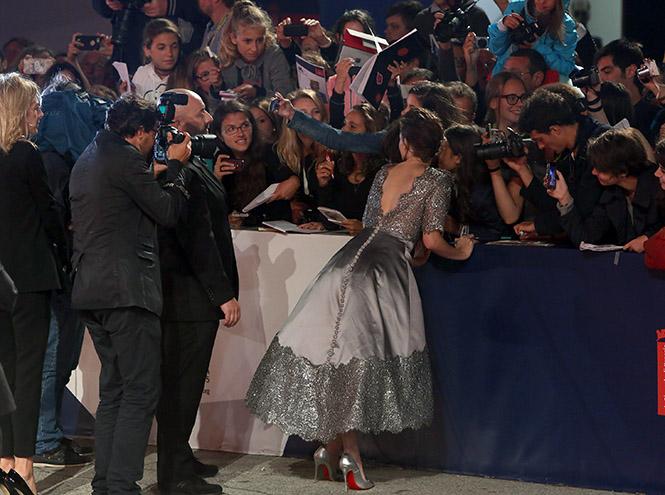 Фото №10 - Образ дня: Кристен Стюарт на премьере фильма «Равные»