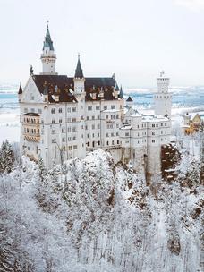 Фото №8 - Тест: Выбери замок, и мы скажем, какой принц в тебя влюбится