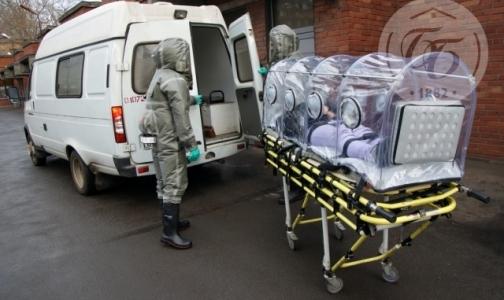 Фото №1 - В Боткинской больнице появились капсулы и скафандры для приема пациентов с вирусом Эбола