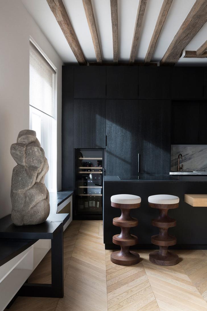 Фото №4 - Нетипичная парижская квартира в черно-белой гамме