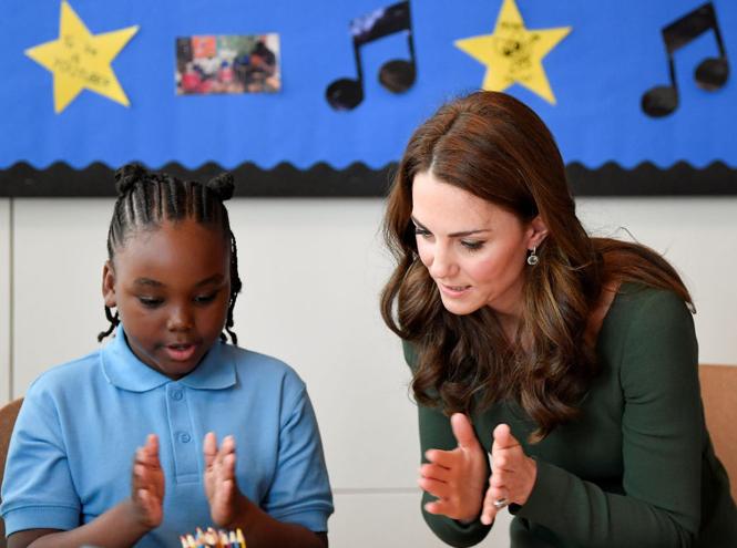 Фото №4 - Как герцогиня Кембриджская помогает детям, оказавшимся в социальном отчуждении