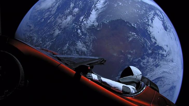 Фото №1 - Родстер Илона Маска завершил первый оборот вокруг Солнца