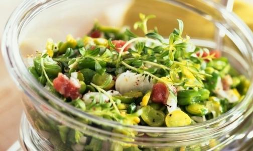 Фото №1 - Четыре человека заразились сальмонеллезом, съев салат из «Карусели»