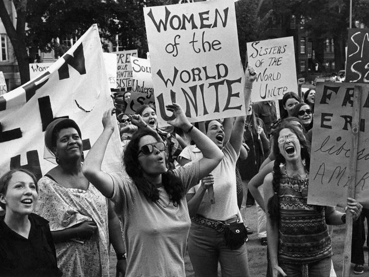 Фото №2 - 4 мифа о феминизме, в которые пора перестать верить
