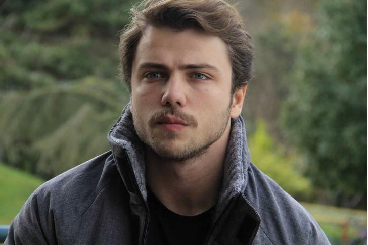 Фото №9 - Осторожно, горячо: самые сексуальные красавчики из турецких сериалов 🔥