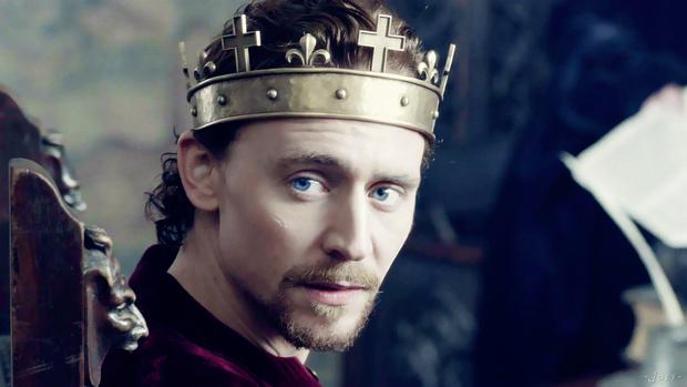 Кадр из сериала «Пустая корона»