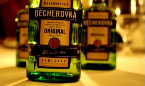 Фото №1 - «Бехеровка» и «Абсент» могут оказаться под запретом