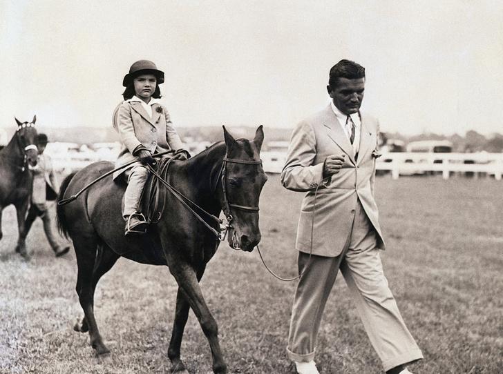 Фото №4 - Отличница Джеки Кеннеди: любовь и трагедия самой известной Первой леди США
