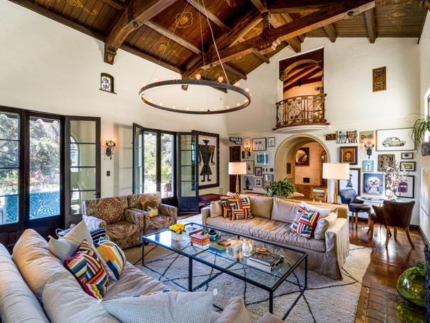 Фото №6 - Леонардо ди Каприо купил дом для мамы