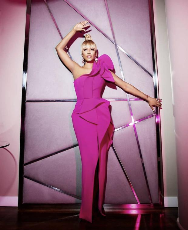 Фото №3 - Лучшие платья «Эмми-2020»