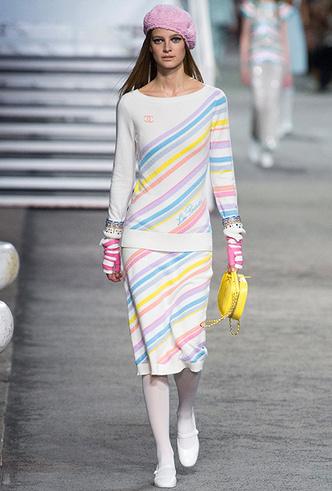 Фото №3 - 5 идей с показа круизной коллекции Chanel, которые пригодятся уже этим летом