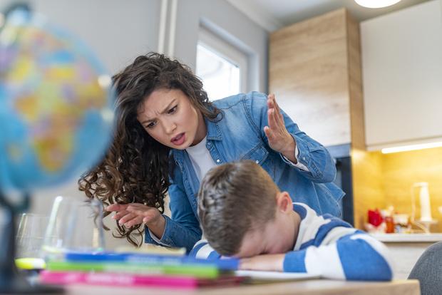 Фото №3 - Только спокойствие: как быть, если ребенок не хочет делать уроки