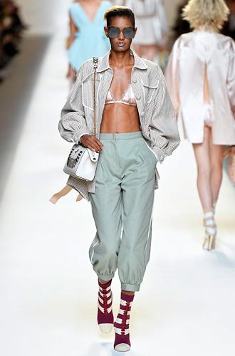 Фото №2 - 10 весенних трендов с Недели моды в Милане