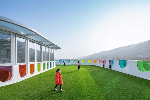 Фото №10 - Детский сад в форме торта, который может менять цвета: фото