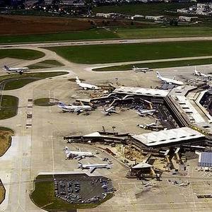 Фото №1 - Парижские аэропорты бастуют
