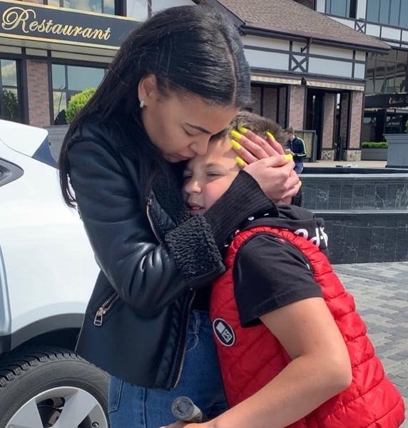 Фото №1 - «Они очень запуганы»: экс-супруга Сереги рассказала о встрече с детьми после 4 месяцев разлуки