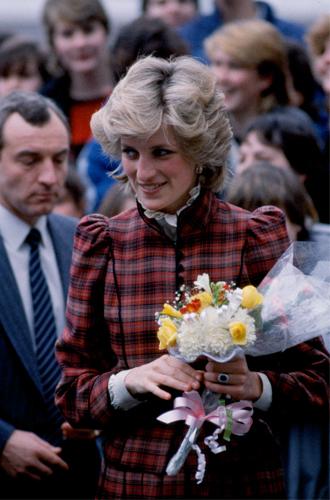 Фото №17 - До/после: как принцесса Диана дарила вторую жизнь старым нарядам