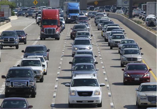 Фото №1 - Наглядная инфографика: как снижалась смертность на дорогах с введением ограничений