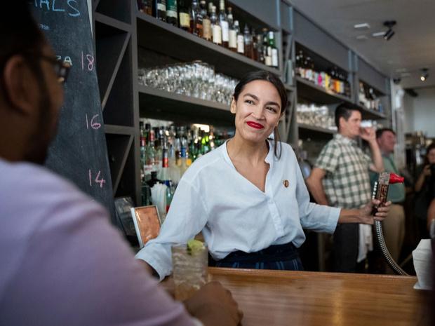 Фото №5 - Звезда Александрии: как официантка из Бронкса стала самым громким голосом новой Америки