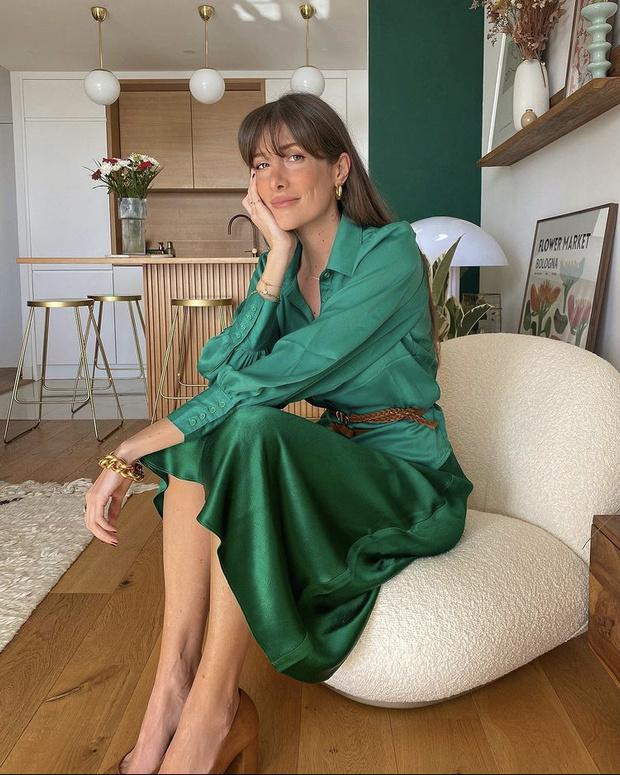 Фото №2 - Атласная юбка Zara— правильная инвестиция в весенний гардероб. Француженка Жюли Феррери убедит вас в этом