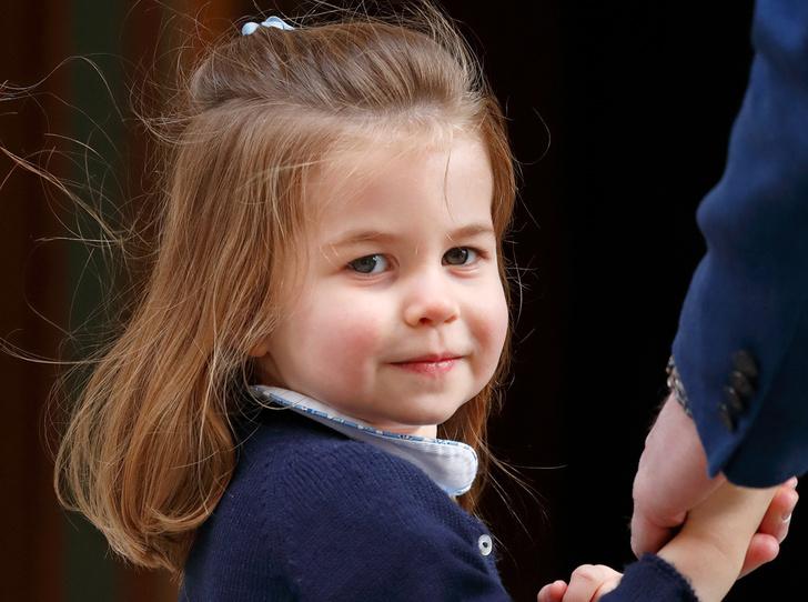 Фото №1 - Принцесса Шарлотта Кембриджская: третий год в фотографиях