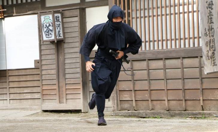Фото №1 - В Японии вручили первый диплом по специальности «ниндзя»