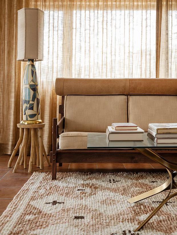 Фото №4 - Настенная роспись и авторская мебель в доме художника в Калифорнии