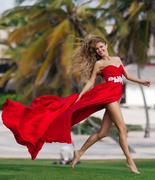 Фото №1 - Виктория Боня: «Я перестала ходить в юбках, скрывала ноги»