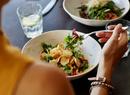 Как есть меньше: советы диетологов